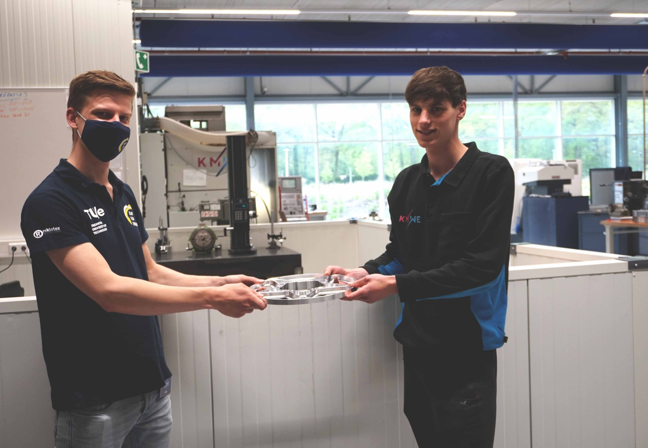 The ecosystem of Brainport Industries Campus in a nutshell! Students of Summa Technics got at KMWE the possibility to make parts of the SHOW of Solar Team Eindhoven.